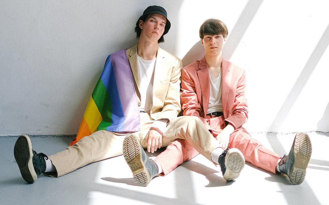 Coaching vie gay : mes tenues vestimentaires ne passent pas auprès de mes collègues, comment être moi-même ?